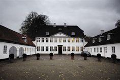 Marienborg, tidligere landsted nord for København, nu til rådighed for landets statsminister