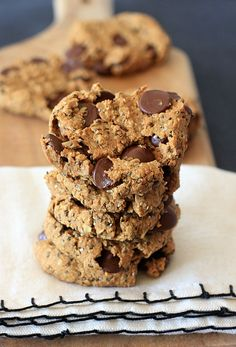 These gluten-free, vegan Oatmeal Peanut Butter Chia Chocolate Chip Cookies are melt-in-your-mouth delicious, and a healthy, belly friendly, low FODMAP breakfast treat!