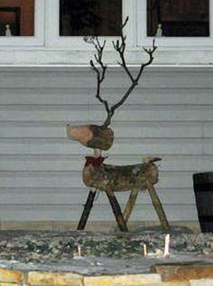 Billedresultat for how to make wooden reindeer out of logs Reindeer Logs, Diy Christmas Reindeer, Log Cabin Christmas, Wooden Christmas Crafts, Reindeer Ornaments, Christmas Projects, Christmas Tree Ornaments, Wooden Garden Ornaments, Acorn Crafts
