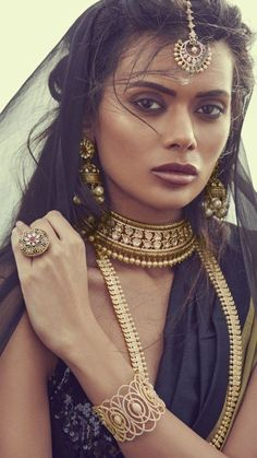 Bringing sexy back! mayillondon s latest bridal collection is fashion focused yet traditional makeup ginibhogal hair mukhtar rehman 2019 spring trends for women long sleeve t shirt plus size and colors you can options shop now! India Fashion, Fashion Over, Fashion Fashion, Fashion Videos, Gorgeous Women, Beautiful People, Indian Aesthetic, Ethnic Looks, Exotic Beauties