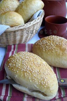 Babette: Rozsos zsemle esti kovászolással Snacks, Recipe Box, Rolls, Sweets, Recipes, Food, Buns, Breads, Muffins