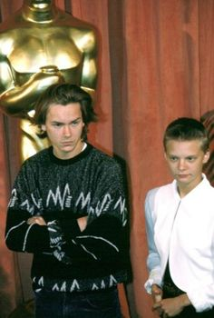 Oscar nominees luncheon, 1989  River Phoenix and Martha Plimpton! OMG! He was such a good actor and died so young.