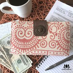 Thoughtfully designed to keep your cash envelopes wallet together and organized. Learn more about the Bella Taylor Cash System Wallet, exclusively at The BitLoom Co.