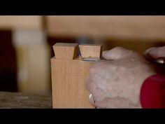 VIDEO: How to Cut Half-lap Dovetails with Hand Tools -Bill Anderson (WoodAndShop.com)