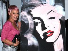 Pink's Marilyn Monroe Painting. Erik Wahl painted this in three minutes.. crazy. I love it!