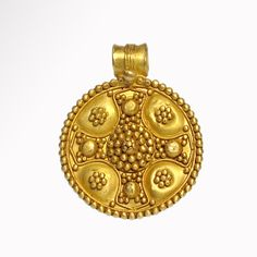 Buy online, view images and see past prices for Byzantine Gold Cross Pendant, c. Invaluable is the world's largest marketplace for art, antiques, and collectibles. Byzantine Gold, Byzantine Jewelry, Renaissance Jewelry, Ancient Jewelry, Antique Jewelry, Gold Jewelry, Viking Jewelry, Jewelry Bracelets, Vintage Jewelry