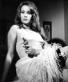 Claudine Auger,    4. 1965 – Åskbollen (Thunderball)