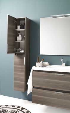 20 Built-in Bathroom Storage Ideas And Inspiration That Will Save You Space - Need more space for sundries in a compact bathroom? Check out these innovative built-in bathroom storage ideas for building storage into the plan. Built In Vanity, Top Bathroom Design, Modern Bathroom, Bathroom Decor, Vanity, Bathrooms Remodel, Built In Bathroom Storage, Bathroom Storage, Bathroom Design