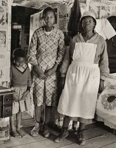 Women In History, Black History, Family History, Vintage Photographs, Vintage Photos, Gees Bend Quilts, American Quilt, Great Depression, Down South