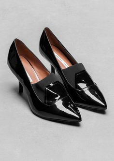 & Other Stories | Glossy Pumps. Chic pumps featuring a gloss-coated leather with an elastic fabric over the vamp.