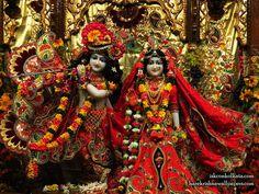 http://harekrishnawallpapers.com/sri-sri-radha-govinda-iskcon-calcutta-wallpaper-003/