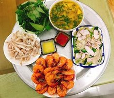Vietnamese Cuisine, Vietnamese Recipes, Thai Recipes, Asian Recipes, Viet Food, Daily Meals, I Foods, Yummy Food, Delicious Recipes
