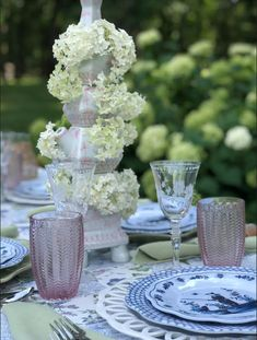 Setting a dreamy table in the garden with my tulipieres..... - The Enchanted Home