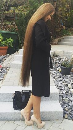 Hairs Sleek Hairstyles, Permed Hairstyles, 1950s Hairstyles, Very Long Hair, Braids For Long Hair, Beautiful Long Hair, Gorgeous Hair, Amazing Hair, Simply Beautiful