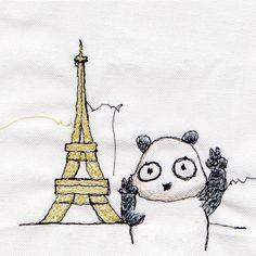 【一日一大熊猫】2017.3.31 エッフェル塔は建築当時、芸術家達が批判してたみたいだね。 なかには、エッフェル塔を見なくて済む場所だからと言う理由で、1階のレストランによく通った反対派の人もいたとか。 #パンダ #ソーイングイラスト #エッフェル塔 #Eiffel