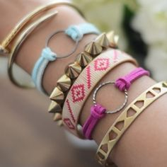 Step into spring with this fun circle suede bracelet tutorial.