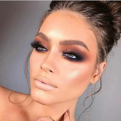 Applying an excellent coat of eyeliner together with the eye makeup is a given. Smokey eye makeup is not hard to apply if you observe some basic steps Smokey Eye Makeup Look, Cat Eye Makeup, Eye Makeup Tips, Glam Makeup, Makeup Trends, Makeup Ideas, Makeup Hacks, Makeup Goals, Easy Makeup