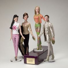 2002 Display Dolls The Display Dolls made for 2002 are as follows:     City Tweed   Lake Shore Drive   New England Excursion   Dinner with Regina   Little Luxuries (Persimmon Version Only)   Patron of the Arts