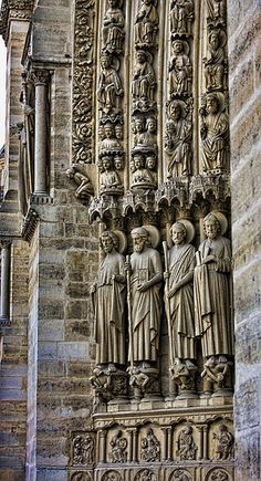 France. Notre Dame Cathedral gothic facade (detail)   Flickr:
