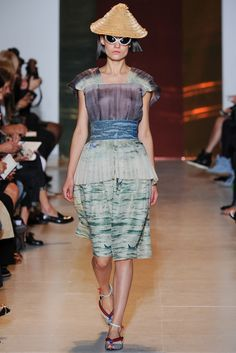 Tsumori Chisato Spring 2014 Ready-to-Wear - Collection - Gallery - Style.com