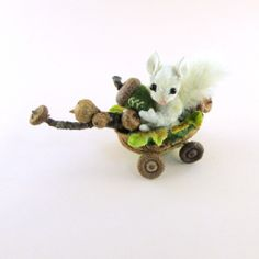 OOAK 2013 Janie Comito ~ Fully Jointed  Snowy White Squirrel in Acorn Nut Cart