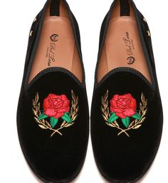 Theophilus London recently collaborated with Del Toro shoes to create a pair of swaggerific velvet slippers