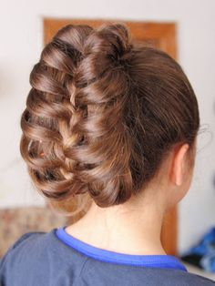 Cage Braid - not as difficult as it looks! Tutorial on CuteGirlsHairstyles: http://www.cutegirlshairstyles.com/hairstyles/time/5-10mins/cage-braid-ponytail-5-minute-hairstyles/