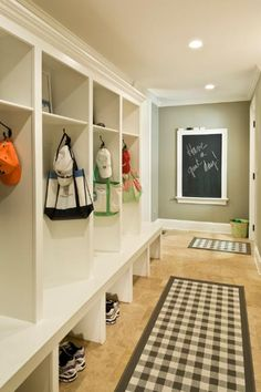 55 Absolutely fabulous mudroom entry design ideas Put chalk board on door to garage?