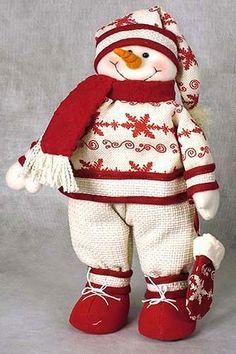 Сшить снеговика своими руками можно из любой ткани: фетра, флиса, хлопчатобумажной материи, льна, шерсти.