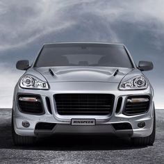 Porsche love <3 think this is a turbo cayenne with some extra bells and whistles. Gorgeous machinery...