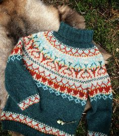 Fair Isle Knitting Patterns, Knitting Designs, Ravelry, Christmas Sweaters, Lofoten, Winter Hats, Pullover, How To Make, Jackets