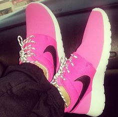running shoes online,all goods are discount more than shoes,I feel so nice!I am very happy this running shoes store. Pink Nike Shoes, Pink Nikes, Nike Shoes Cheap, Nike Free Shoes, Cheap Nike, Discount Running Shoes, Running Shoes On Sale, Nike Running, Best Sneakers