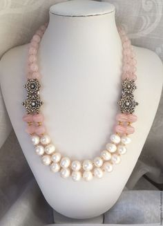Beading is one of the most popular specific niches in fashion jewelry making and rightfully so. It takes a great deal of skills and patience in order to make complex and creative pieces from just a bunch of beads and string. Bead Jewellery, Pearl Jewelry, Wire Jewelry, Jewelry Crafts, Gold Jewelry, Beaded Jewelry, Jewelery, Jewelry Necklaces, Unique Jewelry