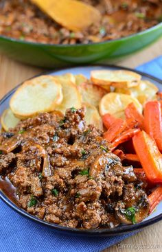 This rich Mustard Beef with Mushrooms is delicious served with my syn free chips, sliced into rounds and my maple glazed carrots for a perfect meal for the whole family. This recipe is gluten free, dairy free, Slimming World and Weight Watchers friendly Slimming Eats Recipe Extra Easy – 1 syn per serving Original/SP –...Read More »