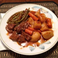 recipes beef stew meat * recipes beef + recipes beef ground + recipes beef stew meat + recipes beef tips + recipes beef stew + recipes beef stroganoff + recipes beef roast Oven Beef Stew, Slow Cooker Pork, Stew Meat Recipes, Cooking Recipes, Yummy Recipes, Yummy Food, Healthy Recipes, No Peek Stew Recipe, Classic Stew Recipe