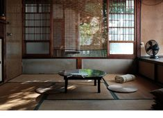 Japanese Home Design, Japanese Style House, Traditional Japanese House, Japanese Interior, Japanese Architecture, Interior Architecture, H Design, House Design, Tatami Room