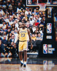 King James, King Lebron James, Lebron James Lakers, Nba Pictures, Basketball Pictures, Football And Basketball, Basketball Players, Nba Kings, Nba Fashion