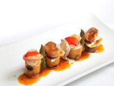 Plato premiado en el XIII Certamen de Restaurantes 2012 - Premio Cocina Creativa y Autor - Entrante - Restaurante Casafrán:   Riñonada de conejo y zamburiñas con trigueros y laminillas de setas.