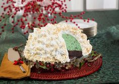 Hostesses have been wowing their guests with Brownie Baked Alaska since the - and it still never fails to impress. This classic, show-stopping ice cream dish oozes vintage charm. Ice Cream Treats, Ice Cream Desserts, No Cook Desserts, Frozen Desserts, Ice Cream Recipes, Frozen Treats, Delicious Desserts, Alaska Cake, Baked Alaska Recipe