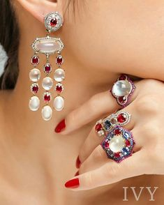 To me.... Combination White Moonstones and Rubies from Burma absolutely divine... #yavorskyy cut www.ivynewyork.com