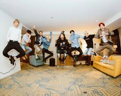 Too much going on in this picture... Hobi as always sending us his love, yoongi being attractive without even trying, Jin's in the middle of sending the flying kiss, okay so we also have steve aoki joined in and then Jimin... okay we'll come back on it, RM waving Hi, Jungkook being avatar and TaeTae looking hella casual while mid flying