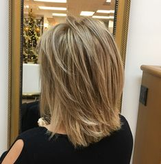 Shoulder-Length Cut With Layers – Frauen Haare Hairstyles Haircuts, Straight Hairstyles, Cool Hairstyles, Middle Hairstyles, Formal Hairstyles, Braided Hairstyles, Hairstyles For Over 50, Haircuts For Thin Fine Hair, Wedding Hairstyles
