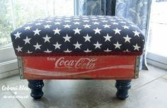 A DIY Ottoman is a fun way to add to personality to any space! It's super easy to make a diy ottoman from cute beverage crates or a drawers. Americana Crafts, Patriotic Crafts, July Crafts, Patriotic Party, Holiday Crafts, Christmas Crafts, Upcycled Crafts, Repurposed, Recycled Gifts