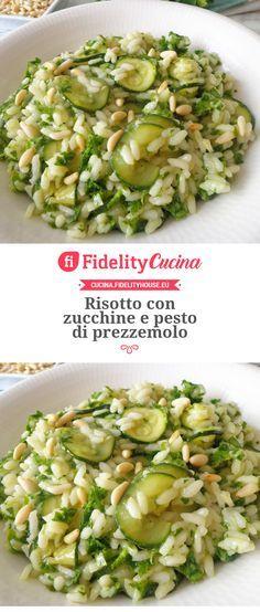 Risotto con zucchine e pesto di prezzemolo