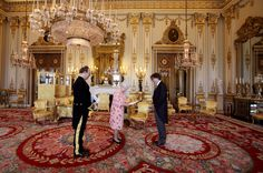 Queen Elizabeth II Photo - Diplomats Present Their Credentials To Queen Elizabeth II