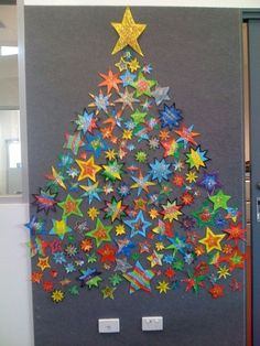 back to school tree made of stars - Christmas bulletin board idea Classroom Door Decorations Classroom Organization Preschool Christmas, Noel Christmas, Christmas Activities, Christmas Crafts For Kids, Christmas Projects, Holiday Crafts, Christmas Decorations, Christmas Displays, Homemade Christmas