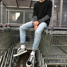 129 ways to wear school outfit for men in summer – page 17 ~ myhomeku…. Tumblr Outfits, Edgy Outfits, Mode Outfits, Retro Outfits, Grunge Outfits, Vintage Outfits, Fashion Outfits, Outfits For Men, Men's Fashion