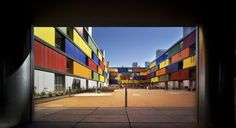 SOCIAL HOUSING BUILDING IN CARABANCHEL. MADRID  container housing!