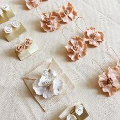 Polymer Clay Flowers, Polymer Clay Crafts, Handmade Polymer Clay, Polymer Clay Jewelry, Do It Yourself Jewelry, Do It Yourself Home, Diy Clay Earrings, Flower Earrings, Flower Jewelry