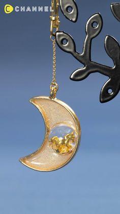 Diy Resin Earrings, Resin Jewelry Tutorial, Resin Jewelry Making, Resin Tutorial, Wire Jewelry, Jewelry Crafts, Resin Jewellery, Epoxy Resin Art, Diy Resin Art